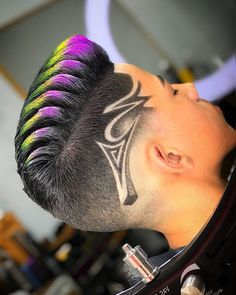 Undercut Hairstyles, Boy Hairstyles, Undercut Pixie, Shaved Hairstyles, Haare Tattoo Designs, Haircut Designs For Men, Boys Colored Hair, Cool Hair Designs, Undercut Hair Designs