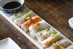 Springrolls with shrimp. I Love Food, Good Food, Yummy Food, Asian Recipes, Healthy Recipes, Ethnic Recipes, Healthy Wraps, Sashimi, Rice Paper Recipes