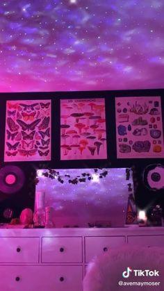 Neon Bedroom, Indie Bedroom, Indie Room Decor, Cute Bedroom Decor, Room Design Bedroom, Room Ideas Bedroom, Aesthetic Room Decor, Bedroom Inspo, Retro Room