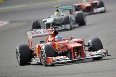 Imagen de Fernando Alonso en un GP del Mundial de F1 donde este año se encuentra muy comodo asi que nosotros mostraremos las paginas de internet mas aconsejables para jugar de cara al gp de malasia que se correra este proximo fon de semana