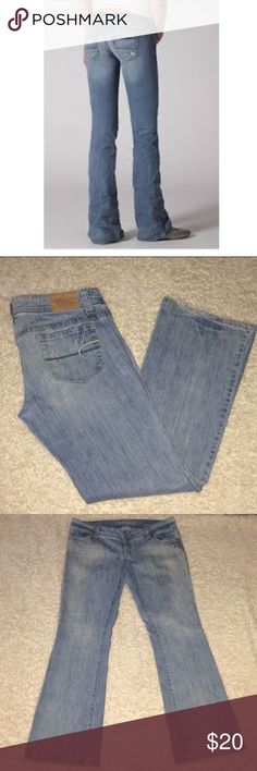 American Eagle size 14 long AE Artist Jeans American Eagle size 14 long AE Artist Jeans smoke free home if you have any questions let me know ......Rise is Approx 8 ....... inseam is approx  33 1/2 American Eagle Outfitters Jeans