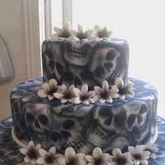 favorite wedding cake idea for biker wedding
