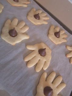 The Kissing Hand. cute snack. Great for the first week of school for pre-school-1st graders