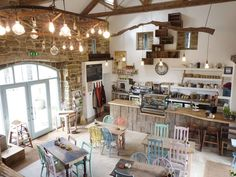 Interior rustic cafe design together - homes decor. Café Bar, Cafe Restaurant, Rustic Restaurant Design, Plans Loft, Café Design, Rustic Design, Design Ideas, Vintage Bakery, Vintage Cafe Design