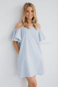 летнее платье-сарафан на лямках с присборенным рукавом на резинке