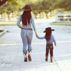Mama E Hija Cowgirls