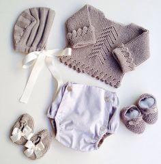 Pin by JpJt on Layette Baby Knitting Patterns, Knitting For Kids, Baby Patterns, The Babys, Baby Outfits, Kids Outfits, Pull Bebe, Diy Bebe, Knitted Baby Clothes