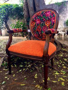 "100% Hecho en Guatemala por "" Del Palomar"" #Guatemala Tikal, Estilo Colonial, Guatemalan Textiles, Anthropologie Home, Colorful Chairs, Cool Rooms, Modern Decor, Home Accessories, Living Spaces"