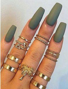 nail polish colorful nails nail accessories green army green gold ring gold rings and tings knuckle ring ring accessories Dope Nails, Nails On Fleek, Fun Nails, Matt Nails, Do It Yourself Nails, How To Do Nails, Gorgeous Nails, Pretty Nails, Nails Polish