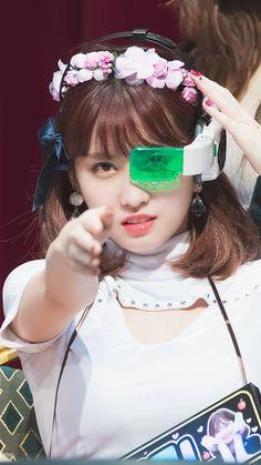 Kpop Girl Groups, Korean Girl Groups, Kpop Girls, Nayeon, Dbz, Dragon Ball, Rapper, Twice Kpop, Myoui Mina