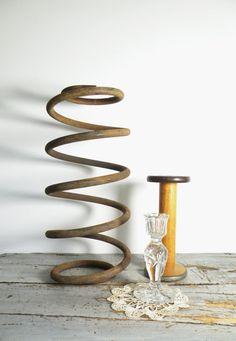 vintage, industrial spring, dried flower vase ... perfect!