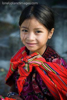 Mayan girl from Guatemala Kids Around The World, Beauty Around The World, We Are The World, People Around The World, Precious Children, Beautiful Children, Beautiful People, Child Face, Little People