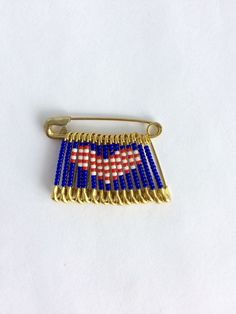 USA Heart Pin Handmade Beaded Flag Pin Brooch Lapel Pin Birthday Gift Veterans Day Safety Pin Flag Labor Day Pin Gift for Her by FlagPinsbyAnnette on Etsy Safety Pin Art, Safety Pin Crafts, Safety Pin Jewelry, Safety Pins, American Flag Pin, Retro Christmas Decorations, Veterans Day Gifts, Blue Crafts, Flag Pins