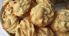 Voici une recette que je fais à pessah (pâque juive) période pendant laquelle nous ne pouvons pas manger de farine.   C'est un mélange tr...