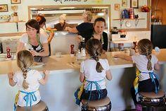 Bubble Boy Boutique: Annie's Country Kitchen