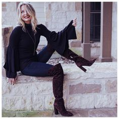some outfit ideas and styling hacks for the fall season. I include a range of looks from polished casual to very comfy casual to office attire. Fashion Bloggers Over 40, Busbee Style, Marc Fisher Boots, Polished Casual, Spring Skirts, Edgy Outfits, Outerwear Women, Holiday Outfits, Fashion Advice
