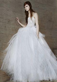 Robe de mariée Vera Wang disponible sur le site Once Wed