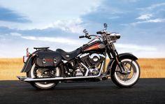 Este tipo de motos todavía me siguen emocionando cuando las veo y escucho. Algún día tendré la mia