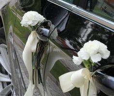 """Dekorujemy samochód na ślub. Czarne BMW do ślubu. """"Za Kulisami Ślubu"""" #AutoDoSlubu #ZaKulisamiSlubu #OrganizacjaSlubu #OrganizacjaWesela #CzymDoSlubu #TargiSlubne #KonsultantSlubny #Slub #Wesele #SamochowDoSlubu #LimuzynaDoSlubu #WynajemAutDoSlubu"""