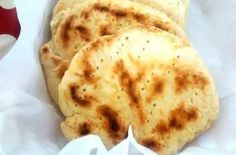 Donuts, Chilean Recipes, Chilean Food, Kitchen Queen, Tortilla Recipe, Indian Food Recipes, Ethnic Recipes, Pan Bread, Weird Food