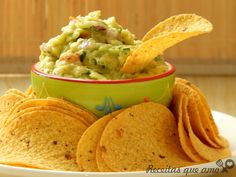 Hoje tem receita de guacamole para você fazer um petisco mexicano e receber os amigos com algo diferente e saboroso. Eu não sei se esta a forma tradicional Chef Recipes, Mexican Food Recipes, Great Recipes, Vegetarian Recipes, Cooking Recipes, Healthy Recipes, Cocina Natural, Easy Snacks, Salsa