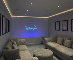 Home Theater Room Design, Movie Theater Rooms, Home Cinema Room, Movie Rooms, Cinema Room Small, Small Movie Room, Basement Movie Room, Theater Room Decor, Attic Game Room