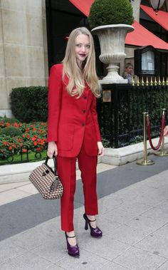 Amanda Seyfried leaves the Athene Plazza hotel.  Paris, France October 3th 2012