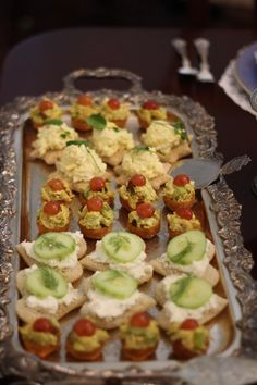just a photo of egg salad finger food for the next party (no recipes picnic for picnic Tea Recipes, Cooking Recipes, Salad Recipes, Salad Fingers, High Tea Food, Silver Serving Trays, Tapas, Tea Sandwiches, In Vino Veritas