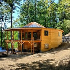 Yurt design for constructions by Matthew Smith. These designs include bedrooms, bathrooms and lofts. Silo House, Tiny House Cabin, Round House Plans, Yurt Interior, Yurt Home, Yurt Living, Earth Bag Homes, Dome House, House Layouts