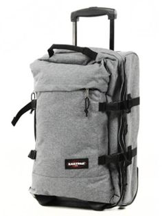 EASTPAK TRAVEL BAG.