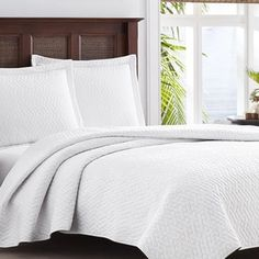 Shop for Tommy Bahama Chevron White 3-piece Quilt Set. Get free shipping at Overstock.com - Your Online Fashion Bedding Outlet Store! Get 5% in rewards with Club O! - 17344380