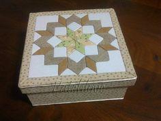 Caixa de madeira forrada com tecido