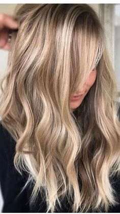 Hair color blonde and brown low lights ombre curls 19 ideas for 2019 . - Hair color blonde and brown low lights ombre curls 19 ideas for 2019 … Hair color blonde and brown low lights ombre curls 19 ideas for 2019 Color Ombre Hair, Blonde Ombre Hair, Brown Ombre Hair, Honey Blonde Hair, Hair Color Highlights, Blonde Color, Blonde Curls, Curls Hair, Chunky Highlights