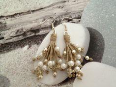 Boucles d'oreilles bouquet argenté et nacré : Boucles d'oreille par perliperlons