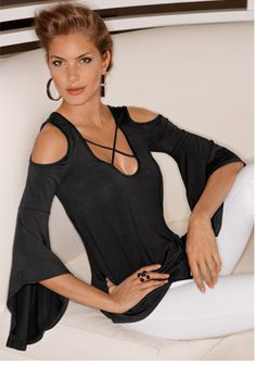 Elegance is easy at Boston Proper. Shop chic, stylish summer clothes for women at Boston Proper to help you update your wardrobe for summer Love Fashion, Autumn Fashion, Womens Fashion, Chic Summer Style, Shirt Bluse, Boston Proper, Nice Tops, Plus Size Women, Casual Chic