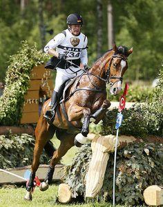 m-13-21-d0253b-Peter-Thomsen-GER-Horseware's-Barny