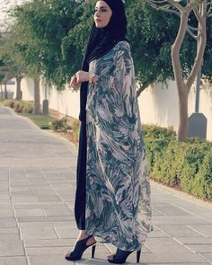"1,120 Likes, 31 Comments - A M I N A (@jadoreamina) on Instagram: ""Jumaa mubaraka 🌺  Dress from @hazanahstore  Photo by @baladi.photography"""