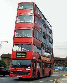 Hội những người thích đọc tin tức 24h  Xe bus ở Anh The bus in the UK (y) (Translated by Bing)