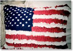 felt american flag ♥ http://felting.craftgossip.com/2014/05/13/ruffled-felt-american-flag-cushion/
