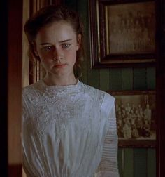 Alexis Bledel (Winifred 'Winnie' Foster) - Tuck Everlasting directed by Jay Russell Moda Vintage, Vintage Girls, Edwardian Era, Edwardian Fashion, Gilmore Girls, Cabelo Rory Gilmore, Winnie Foster, Picnic At Hanging Rock, Tuck Everlasting