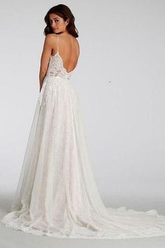 Chic Lace Beach Spaghetti Straps Long Wedding Dresses-Pgmdress