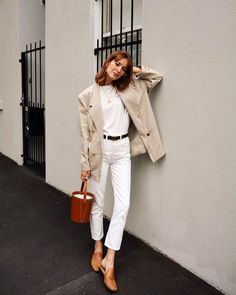 8d17a2cf7c652 Easy Spring Outfit Ideas From All Over the World. Fashion 101Fashion Mode Fashion BrandsSpring Summer ...