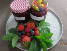 Beerenmarmelade - Rezept von Kuechenschelle Raspberry, Strawberry, Fruit Salad, Pudding, Desserts, Food, Smoothies, Youtube, Cutaway