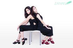 Kika wears PRAGUE BLACK, Clara wears PRAGUE MAROON
