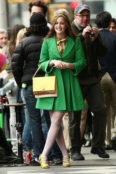 FEMINA - Modéstia e elegância: Elegância e classe para jovens e adultas jovens: o figurino de Leighton Meester como Blair, em Gossip Girl