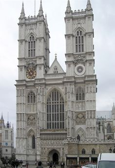 Westminster Abbey, London, UK Westminster Abbey is a must-see for most London tourists. One of the sites most tourists want to see on a London vacation is Westminster Abbey. This is where Queen Elizabeth II was crowned in the tradition of English royal coronations. It's also where Prince Charles married Lady Diana Spencer and where the funeral of Princess Diana (as she became) took place.