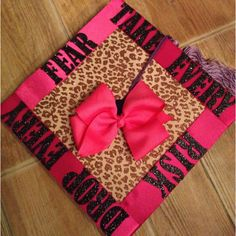 I think im gonna decorate my cap like this I LOVE IT.!!!