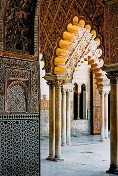moorish architecture. Alcázar, Seville.  http://www.travelandtransitions.com/our-travel-blog/andalusia-2011/andalusia-travel-the-wonders-of-seville/