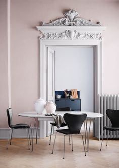 Series Fritz Hansen in the catalog of design solutions and exclusive products for decor and interior design DesignSelect. Fritz Hansen, Modern Interior Design, Interior And Exterior, Arne Jacobsen Chair, Paint Colors, Wall Colors, Blush Walls, Pink Walls, Home Living