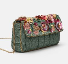Embroidery Bags, Embroidery Fashion, Beaded Clutch, Beaded Bags, Potli Bags, Bead Jewellery, Jewelry, Mode Chic, Cute Bags